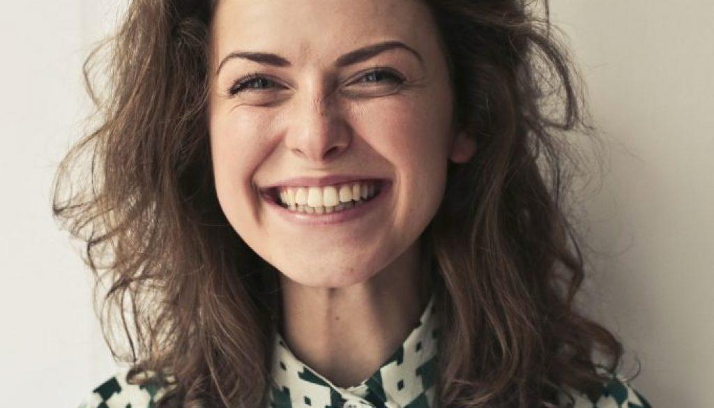 Krzywe zęby możesz stracić szybciej niż proste!